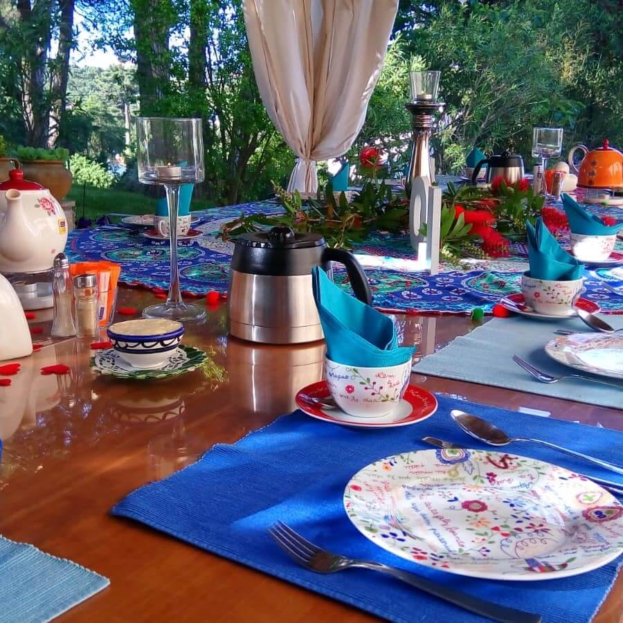 Mesa de pequeno almoço buffet servido na casa de férias Vila de Sol