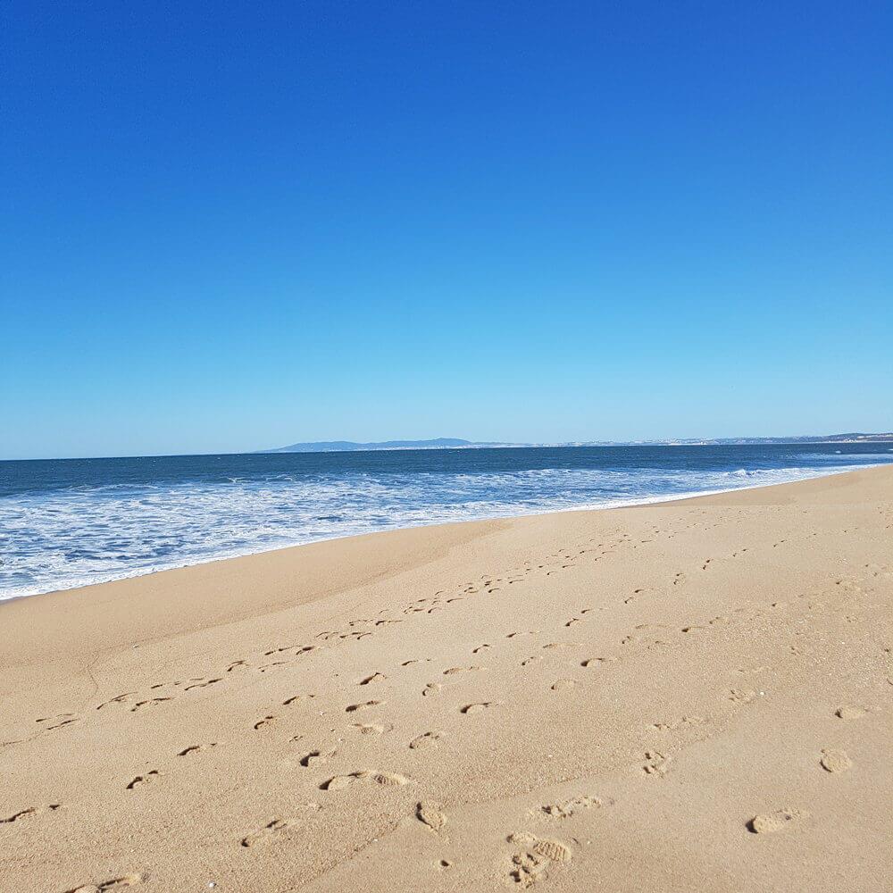 Areal da praia do Meco com extenso areal