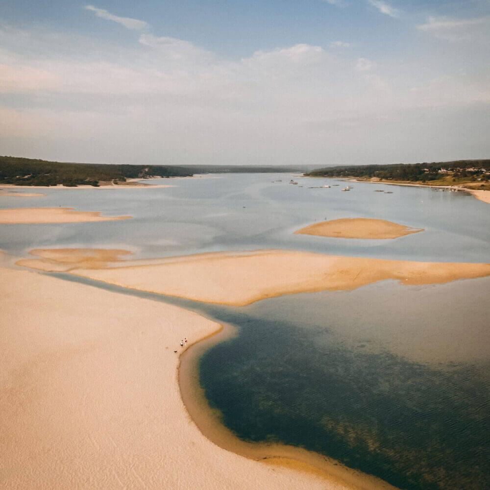 Vista área da Lagoa de Albufeira em Sesimbra