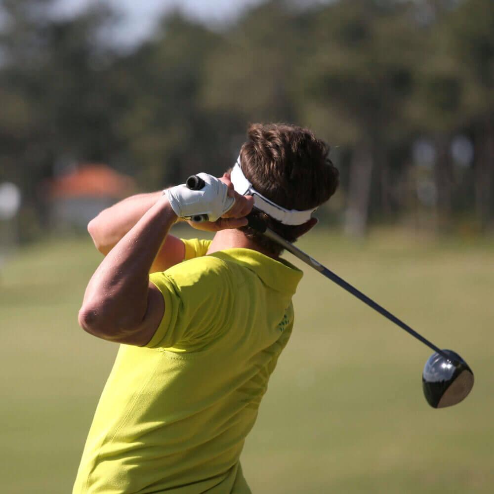 Para os amantes de golf, a região de Sesimbra é uma boa opção