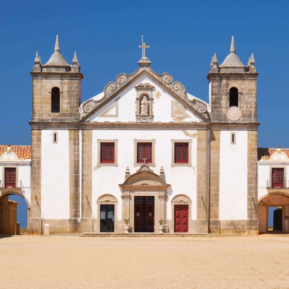 Igreja de Nossa Senhora do Cabo no Cabo Espichel, Portugal